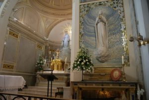Hotel near the Chapel of Our Lady of the Miraculous Medal Paris